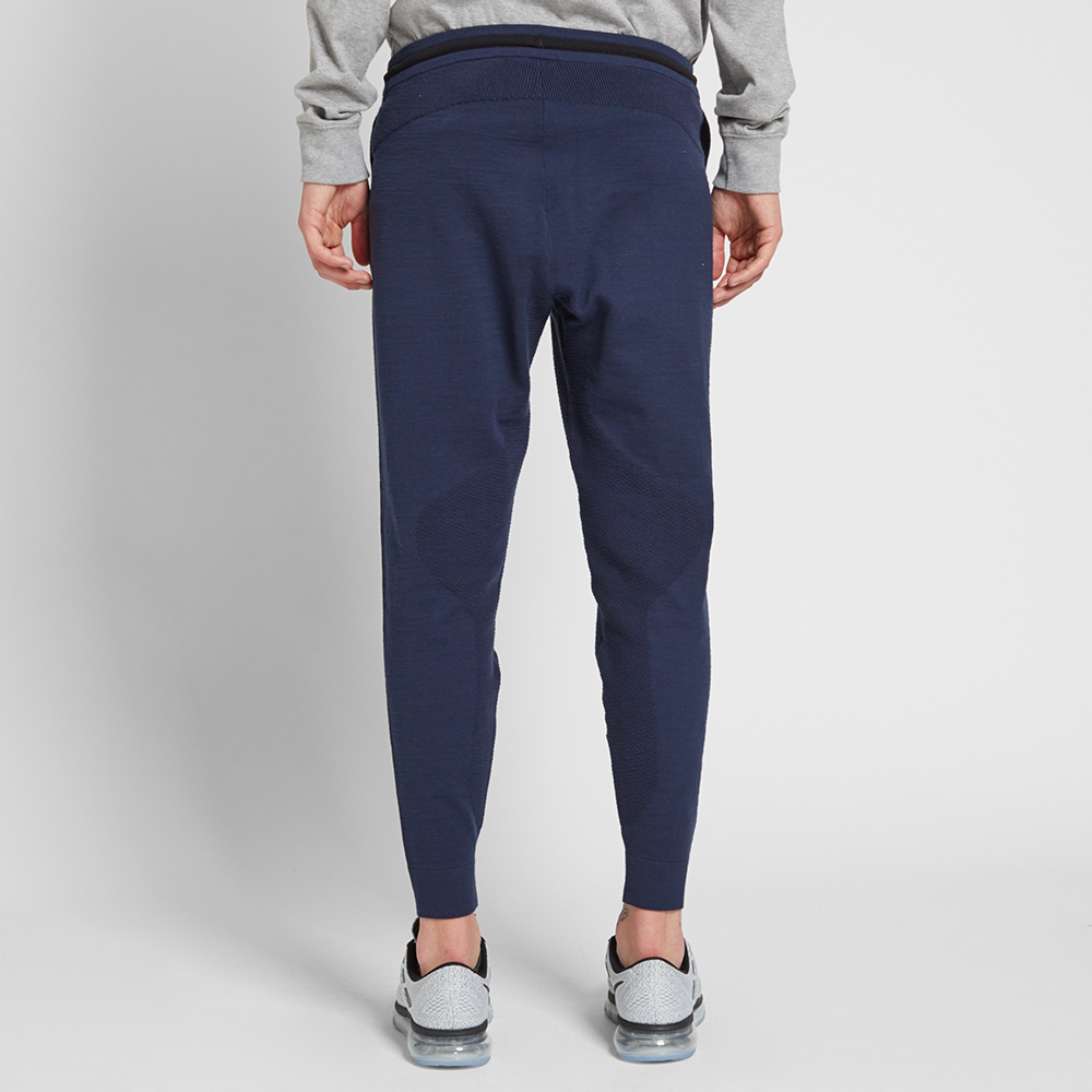 Unique Running Is Essentially A Notech Activity Put On Some Comfortable  That Space If You Dont Pop In The Sensor Nikes Web Site Lists Four Nikemodels For Men, At $100 To $110, And Seven For Women That Sell For $85 To $110 But What If